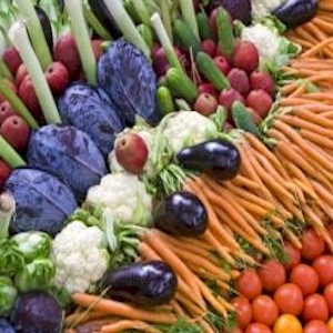 eating a rainbow of vegetables to reduce inflamation