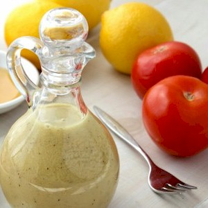 making your own natural salad dressing