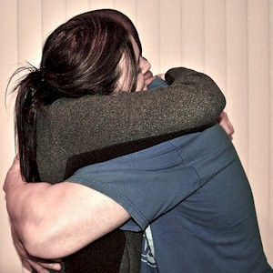 how hugging reduces stress