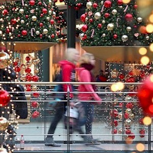 trends in holiday shopping